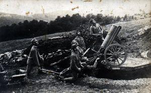 Artyleria obstrzeliwuje włoski aeroplan, front włoski (grudzień 1916 r.).