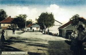 Ryc. 4 Rynek w Świątnikach – fotografia barwiona autorstwa Leona Franczykowskiego (ok . 1912 r.)